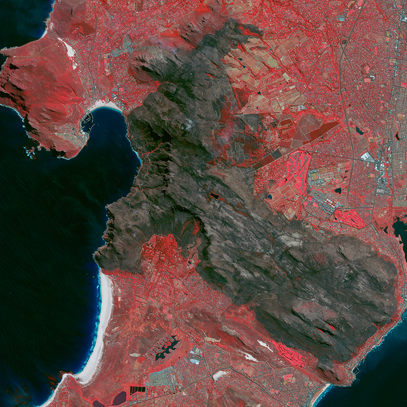 Pléiades Satellite Image - Wildfire in Cape-Town, South Africa