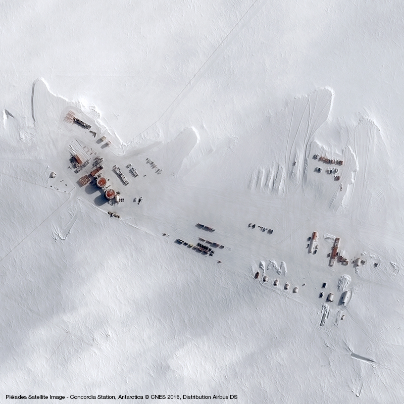 Image satellite Pléiades - Base antarctique Concordia