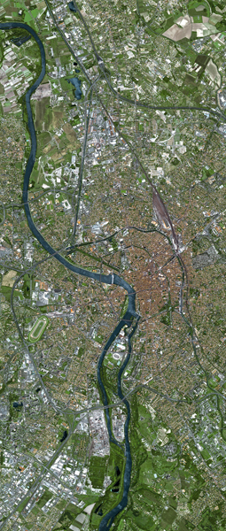 Toulouse, France - SPOT 5 satellite image 2.5m colour