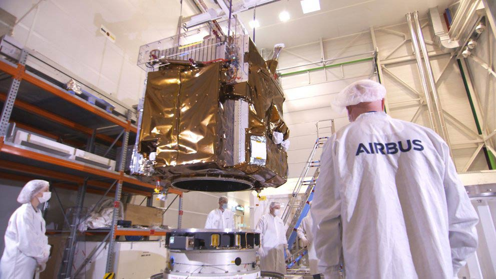 Scheduled to launch in April 2021 on a Vega launcher, the first of the new generation of very high-resolution satellites will join the existing Airbus fleet of optical and radar satellites, with increased resolution, revisit and coverage.
