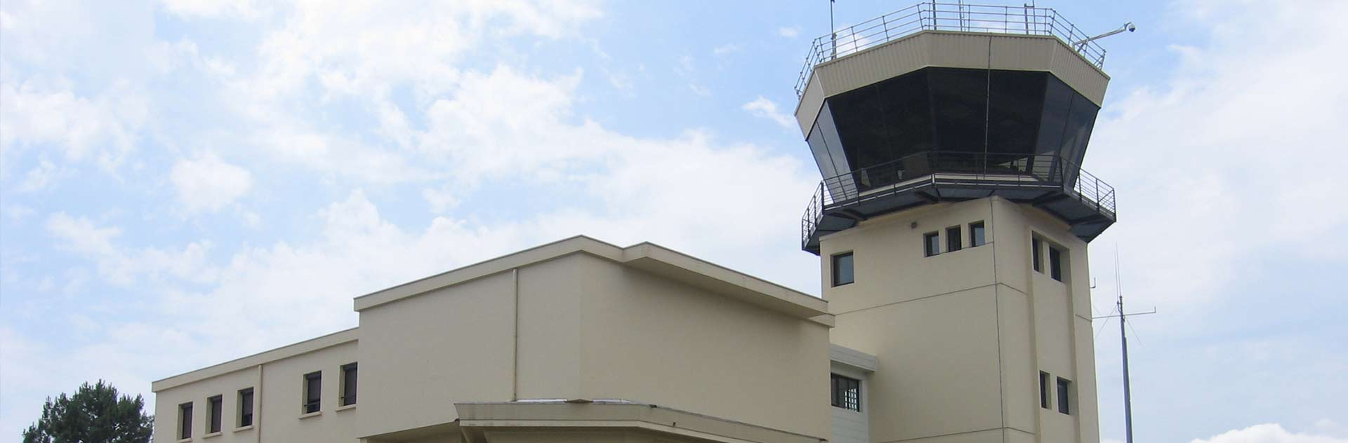 Fortion 1SkyTower is a Command and Control unit able to control both civil and military aircraft