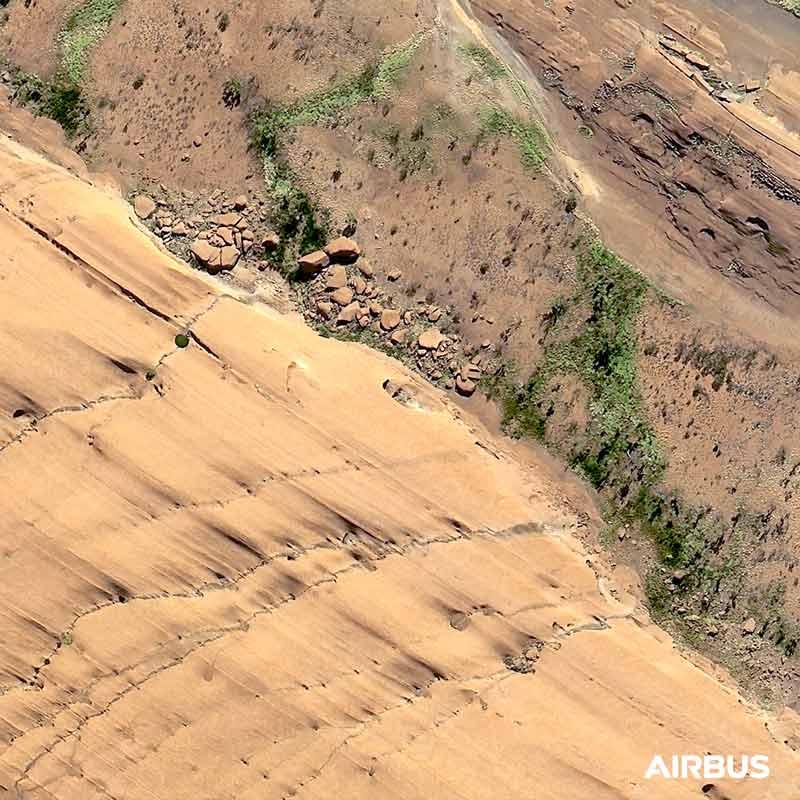 Pléiades Neo - Uluru, Ayers Rock, Australia