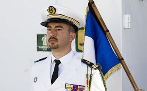 Commander Laurent Frayssignes
